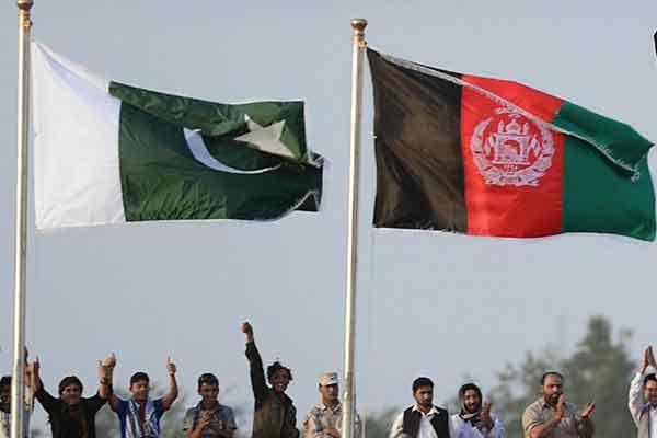 مقامات امنیتی افغانستان به همراه اسناد و مدارک به پاکستان رفتند
