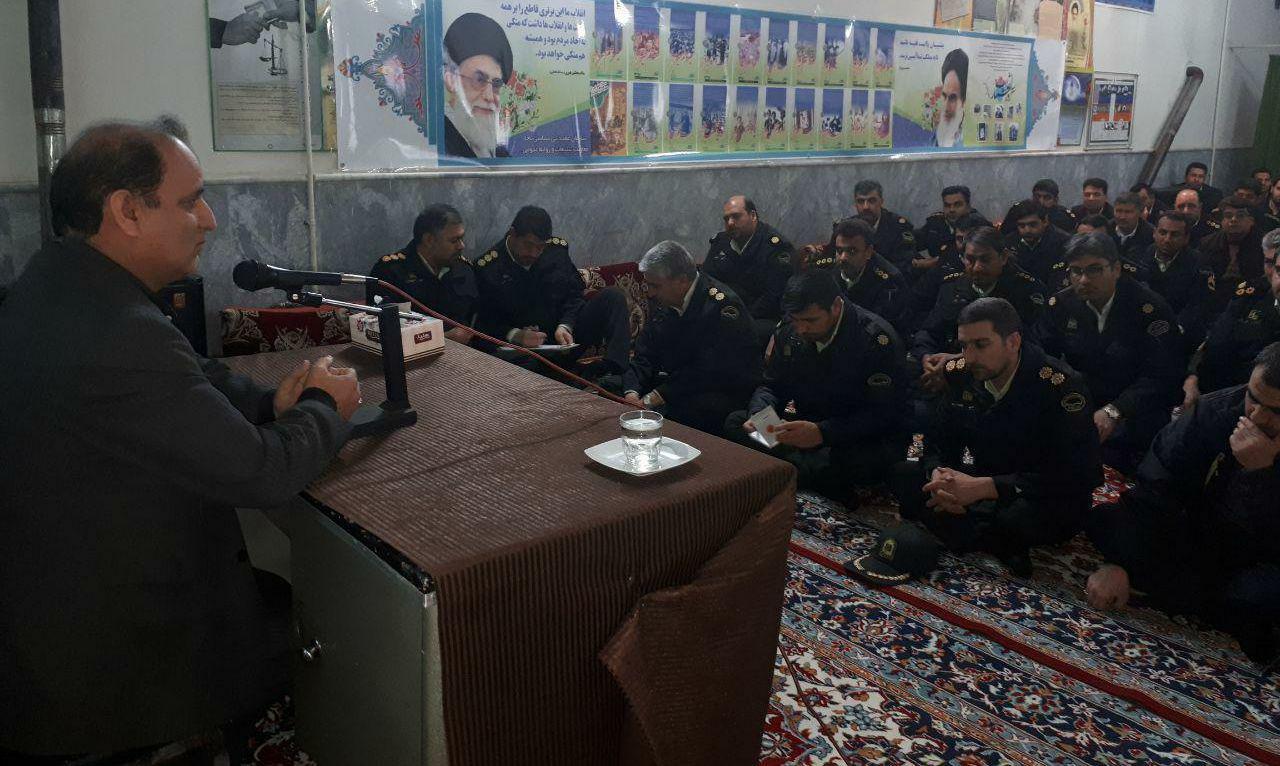 نیروی انتظامی حافظ ارزشهای انقلاب اسلامی است