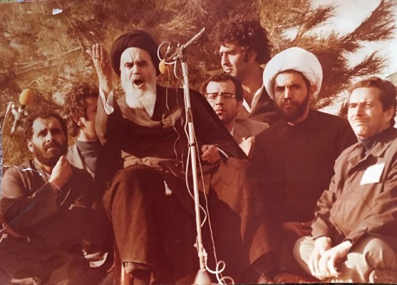 بخشی از وقایع انقلاب اسلامی به روایت عکاس شناخته شده انقلاب/چگونه یک عکاس ورزشی آلبوم انقلاب را ثبت کرد