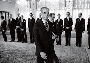 داستان جانشینی محمدرضا پهلوی پس از رضا خان چه بود؟ + فیلم