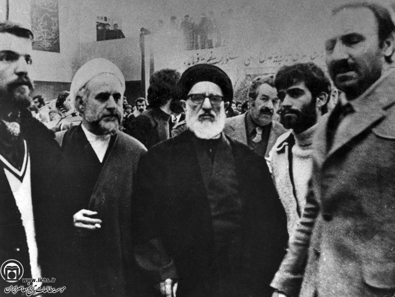 12 بهمن/دیو چو بیرون رود فرشته درآید +فیلم و تصاویر