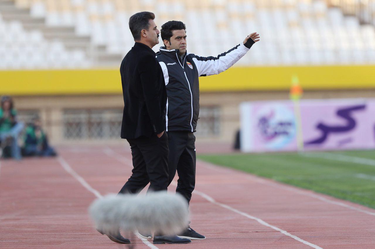 اخباری: همه بازیکنان مانند بیت سعید در موفقیت تیم نقش دارند/ حسن در استقلال روحیه خوبی نداشت