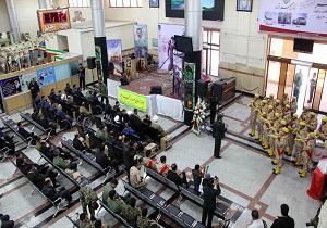 آغازمراسم نمادین استقبال از امام(ره) در فرودگاه یزد