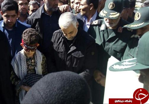 رونمایی از مقبره شهید اسکندری با حضور سردار سلیمانی در شیراز