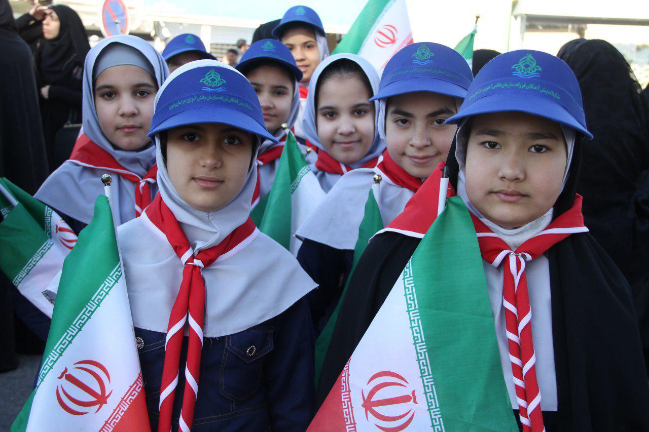 آغاز جشن های انقلاب اسلامی در تربت جام+ تصویر