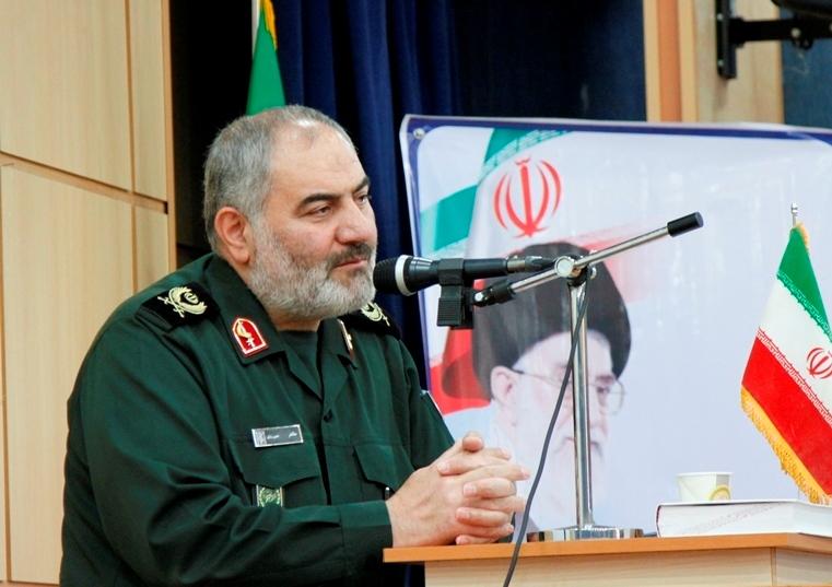 دشمن همواره به دنبال کمرنگ کردن حفظ استمرار انقلاب اسلامی