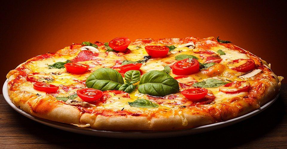 طرز تهیه یک پیتزای متفاوت و خوشمزه