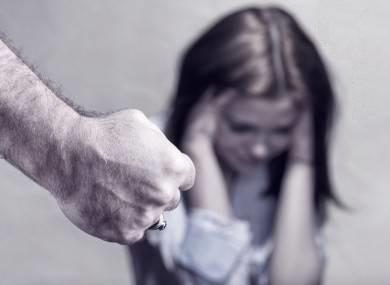 مرگ خاموش دختران آمریکایی بر اثر «تجاوز خانوادگی»: یک سوم تعرضات جنسی از سوی اعضای خانواده صورت میگیرد +عکس و آمار