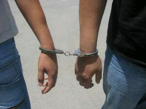 دستگیری سارق هنگام فرار از محل سرقت/کشف اموال مسروقه از خودرو