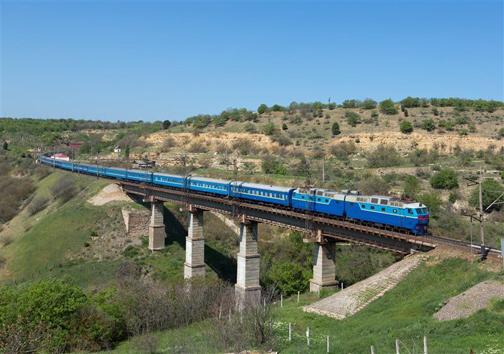 سوت قطار راه آهن قزوین- رشت مسیری دیگر برای توسعه کشور