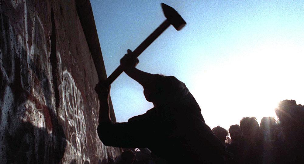 کشف بخشی از دیوار برلین به ادعای یک مورخ آلمانی!
