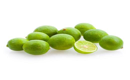 پیشگیری از چاقی با خوردن صبحانه/ آیا لیمو ترش به دندانها آسیب میزند/ توفو، پنیر گیاهی/ این دردهای شکمی را جدی بگیرید