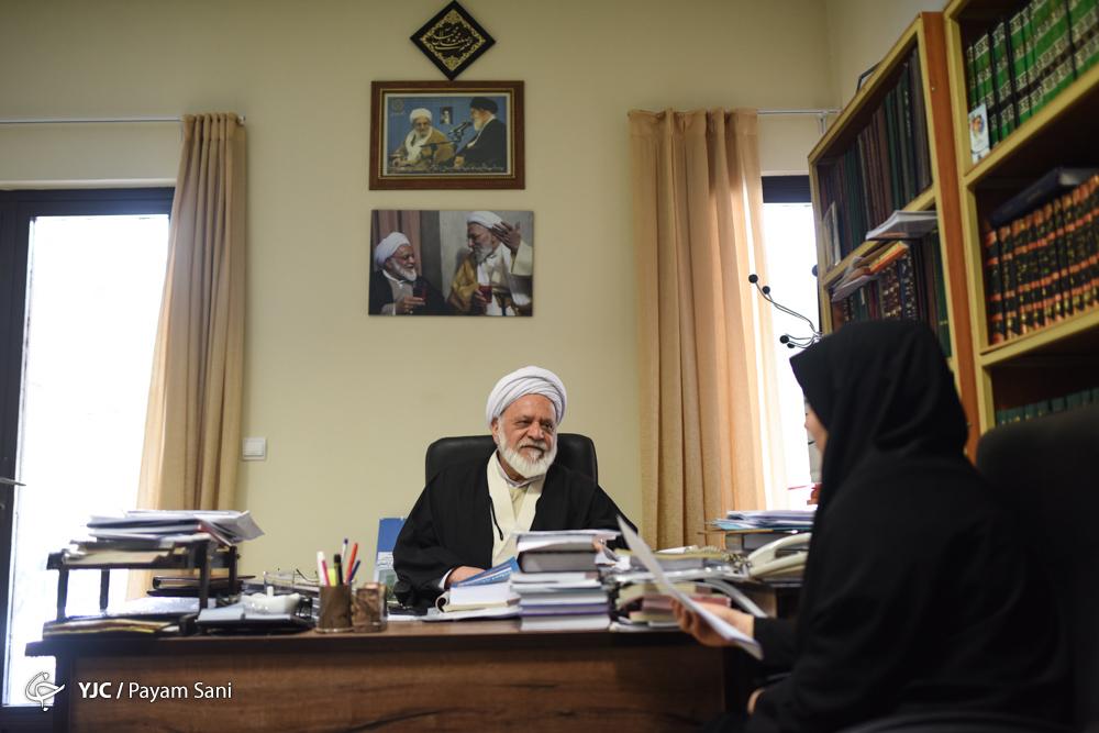 تیتر پیشنهادی: از توصیه رفسنجانی در خطبههای نماز جمعه بر مانور شوی تجملاتی تا خاطرهای از فرزند رهبر انقلاب/خاطرههایی از دورانی که