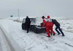 هشدار پلیس راهور نسبت به ورود سامانه بارشی جدید به کشور/ لزوم استفاده از تجهیزات زمستانی در جاده ها