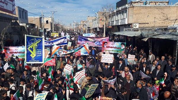 آغاز راهپیمایی پرشکوه ۲۲ بهمن ۹۶ در استان مرکزی + تصاویر