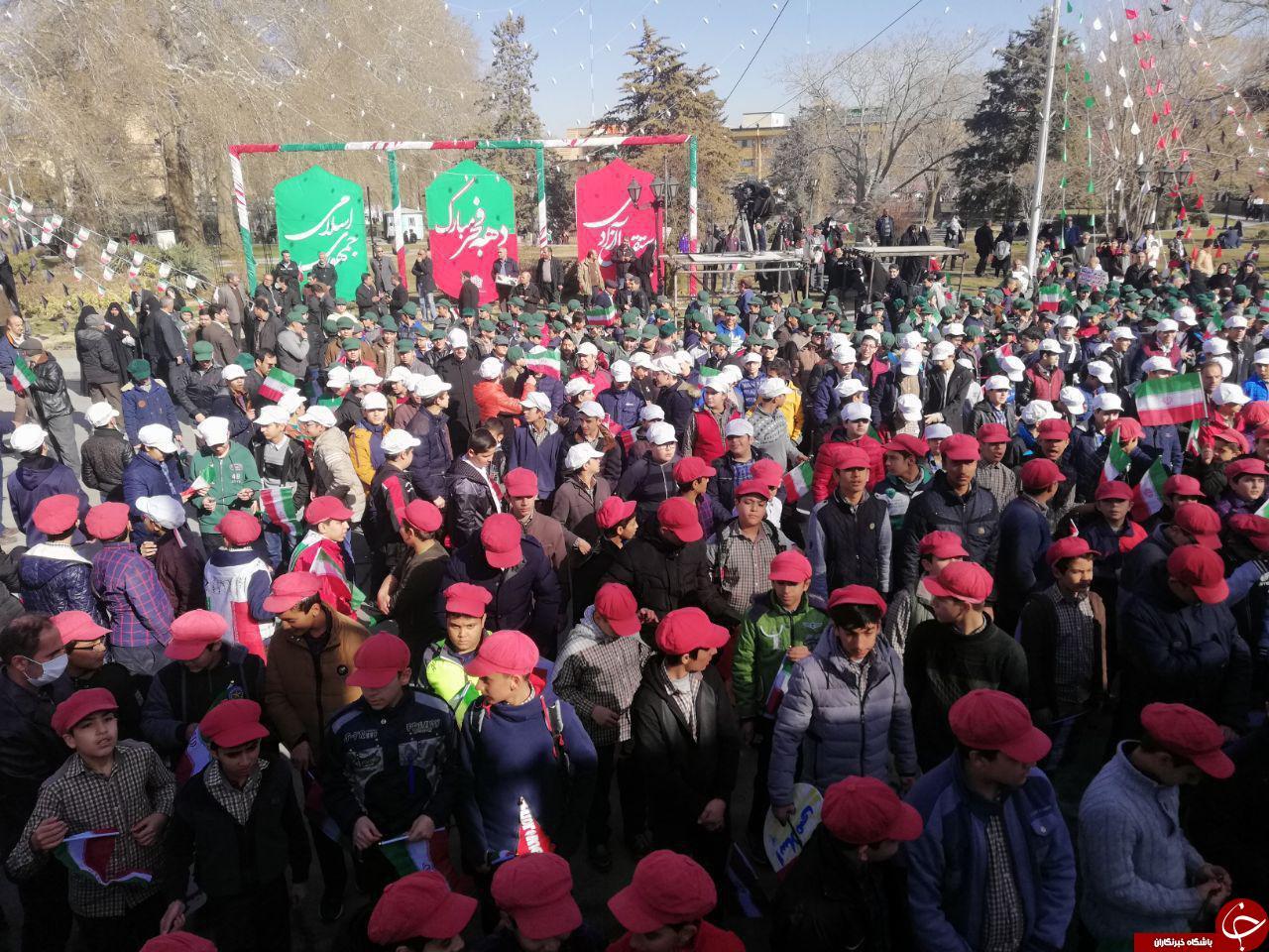 آغاز راهپیمایی 22 بهمن در همدان +تصاویر