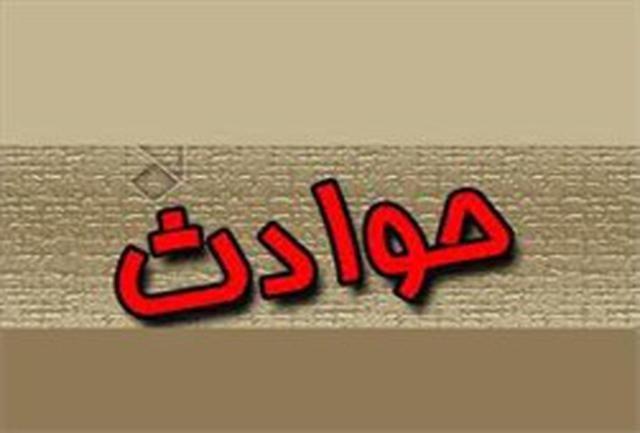 باشگاه خبرنگاران -آتش سوزی پاساژ قدیمی در محدوده بازار بزرگ تهران/فرو نشست کف پارکینگ در شهران خودرو سواری را بلعید
