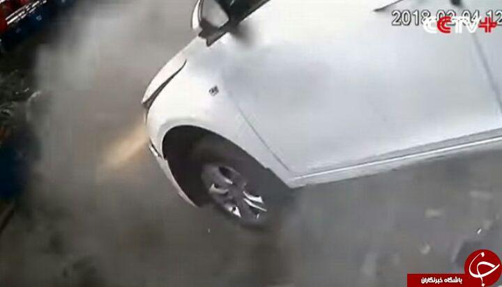 بی احتیاطی راننده حین پارک خودرو کار دستش داد + فیلم/////////////////////