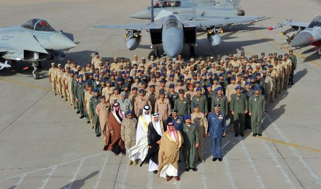 عربستان و امارات به دنبال نابودی زیرساختهای یمن و غارت این کشور هستند