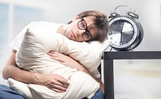 راهی برای رهایی از سردرد/ روشی جالب برای بیدار شدن از خواب/ خواص فوق العاده رب انار/ خوراکی هایی برای کاهش وزن