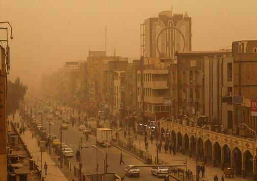 خاک فرودگاه بینالمللی اهواز را تعطیل کرد/ کاهش شعاع دید افقی به 300 متر/آمادهباش اورژانس خوزستان در خاک امروز