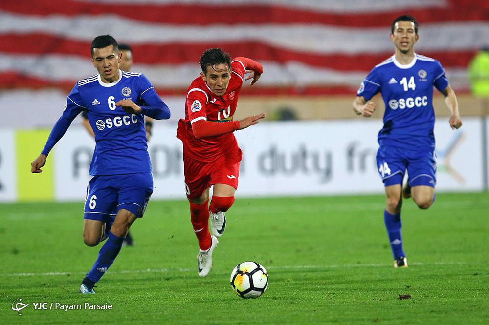 دیدار تیمهای فوتبال پرسپولیس ایران و نسف قارشی ازبکستان