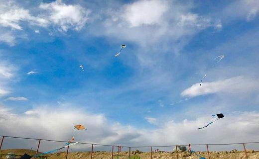 جشنوراه پرواز بادبادکها به مناسبت جشن انقلاب + تصاویر