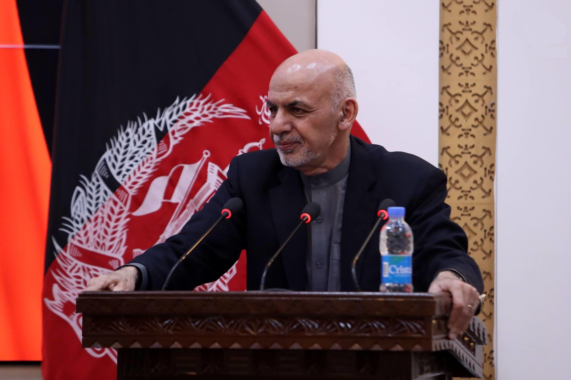 اشرف غنی: زنان افغان همیشه در صف مقدم نبرد قرار داشته اند