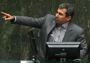 طی تذکری در صحن؛ پورابراهیمی: بانک مرکزی توان لازم برای مدیریت بازار ارز را ندارد/ لاریجانی: این موضوع را پیگیری میکنم