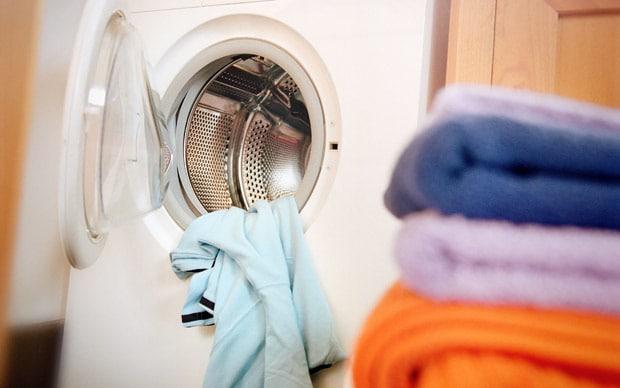 نحوه صحیح شستشوی لباس پشمی و چرم