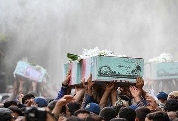 پیکر 4 شهید گمنام در شهرستان عسلویه تشییع و خاکسپاری میشود