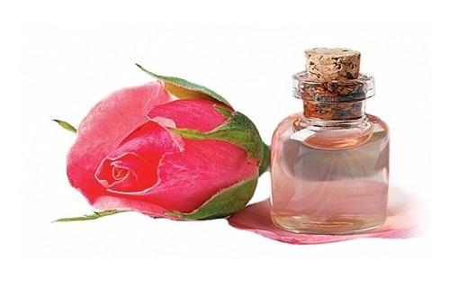 تاثیر شگفت انگیز گلاب بر روی پوست صورت چیست؟