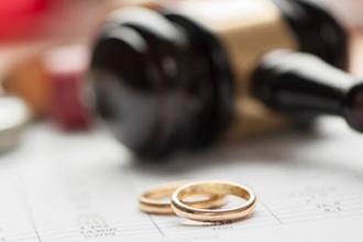 ویدئویی قبیح و عجیب از پدیده شوم جشن طلاق!