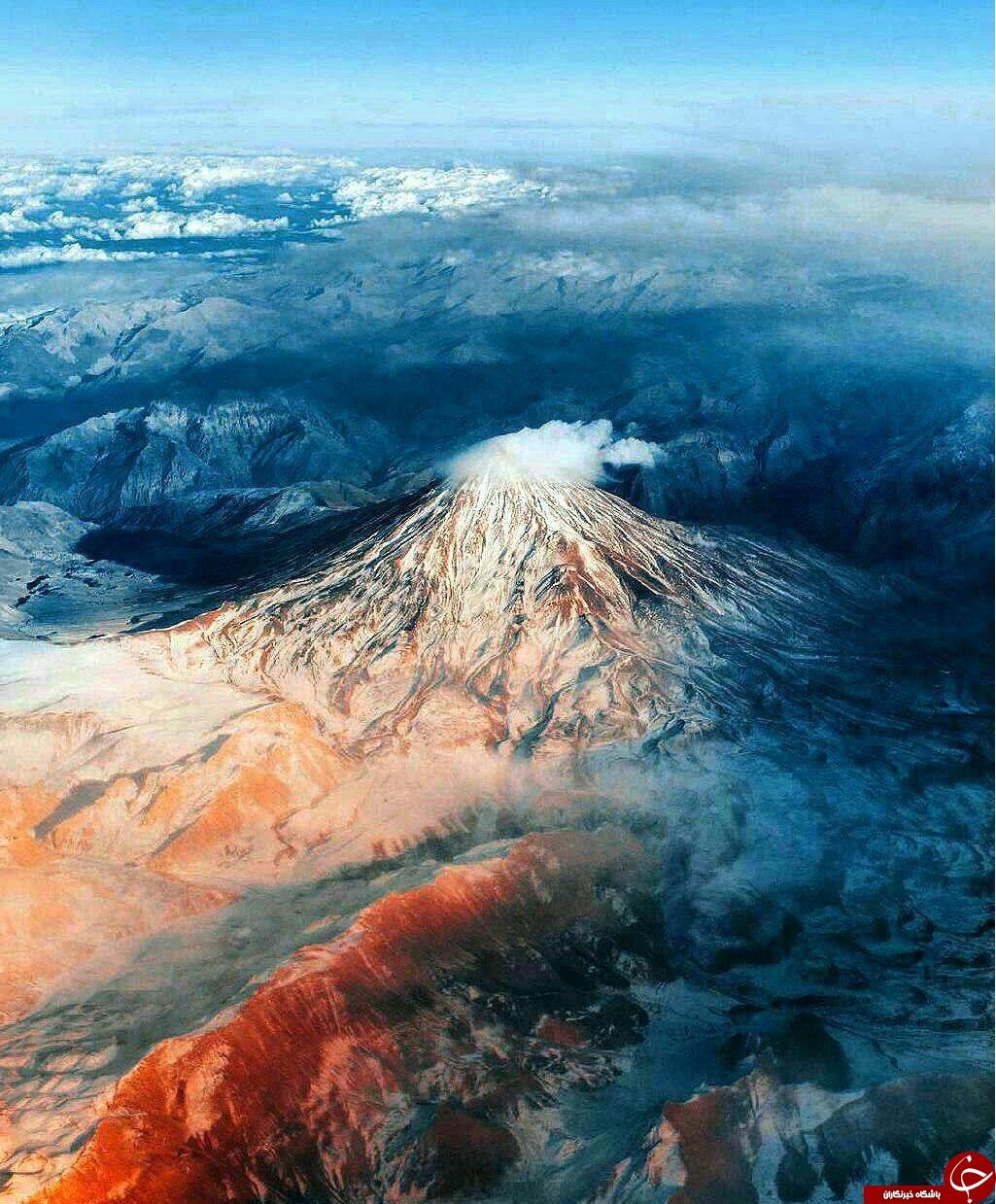 تصویر هوایی بی نظیر از قله دماوند