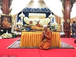 نبش قبر راهبی که پس از مرگ هم لبخند میزند!+ تصاویر