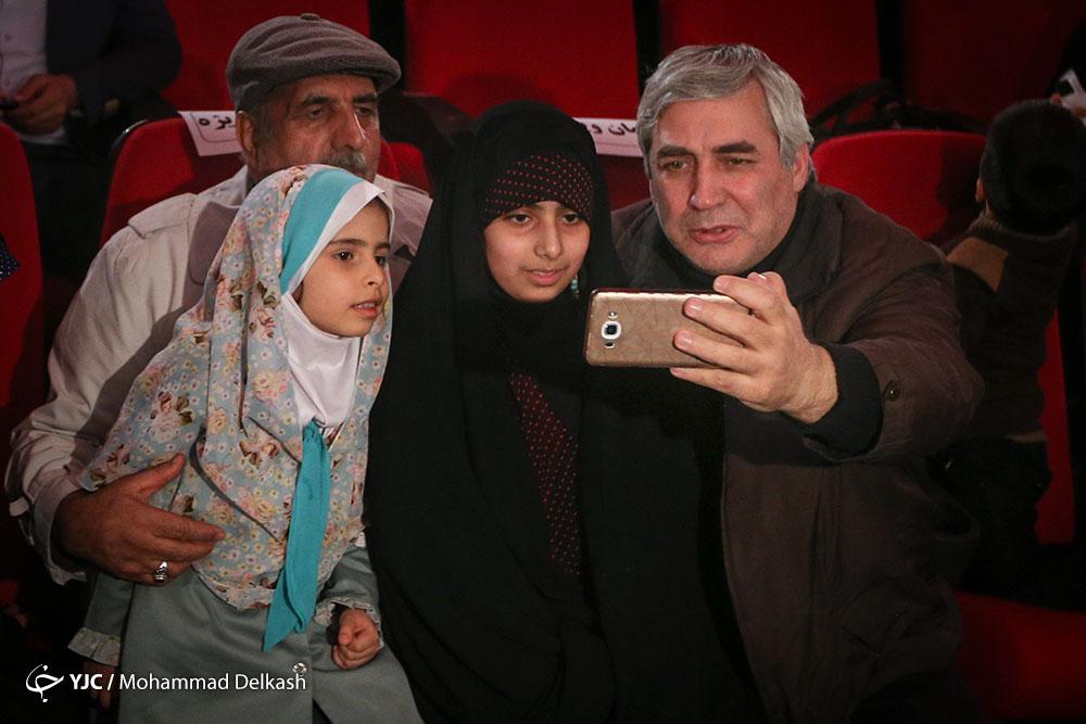 جشنواره فجر مانند شرکت در انتخابات است/با دست و هورا چیزی نصیبمان نمی شود