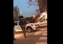 لحظه حمله وحشیانه اتوبوس دیوانه دراویش گنابادی به سمت مردم +فیلم