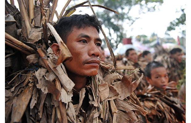 ۱۰ قبیله که از پیوستن به دنیای مدرن اجتناب میکنند