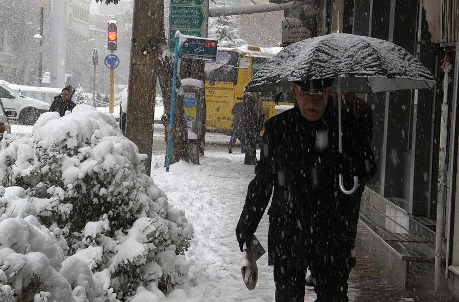 توصیه های ایمنی و سلامتی برای روزهای برفی و یخ زده
