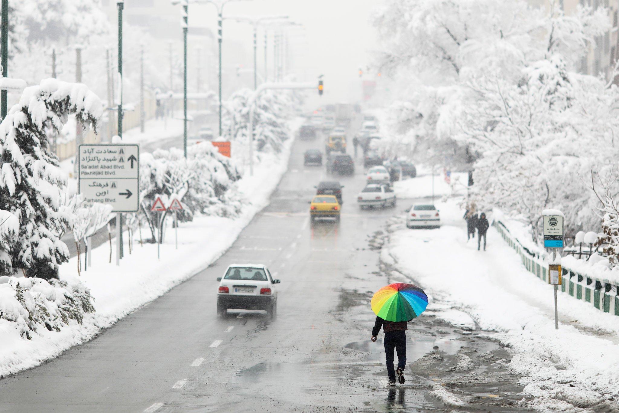 نیویورک تایمز: ایرانیان نماز باران خواندند، برف نصیبشان شد!