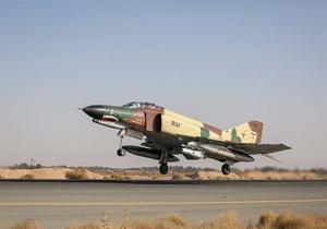 بومی سازی شبیه ساز جنگنده اف-4 در پایگاه هوایی بندرعباس