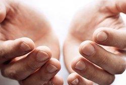 ۹ بیماری خطرناکی که نشانههای آنها روی ناخن و کف دستتان ظاهر خواهد شد!