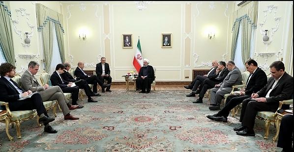 ایران محدودیتی در توسعه مناسبات دوستانه و همکاری با فرانسه قائل نیست/ برجام امتحانی برای طرفین است و برهم خوردن آن نقطه پشیمانی همگان خواهد بود