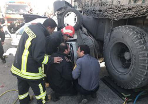 تصادف زنجیره ای در بلوار چهل مقام شیراز