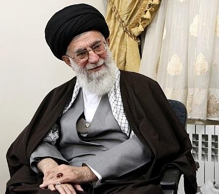معظم انقلاب در منزل شهید حضور یافتند
