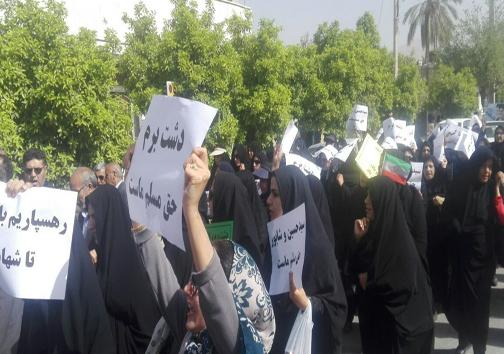 اعتراض مردم کازرون به تجزیه این شهرستان + تصاویر