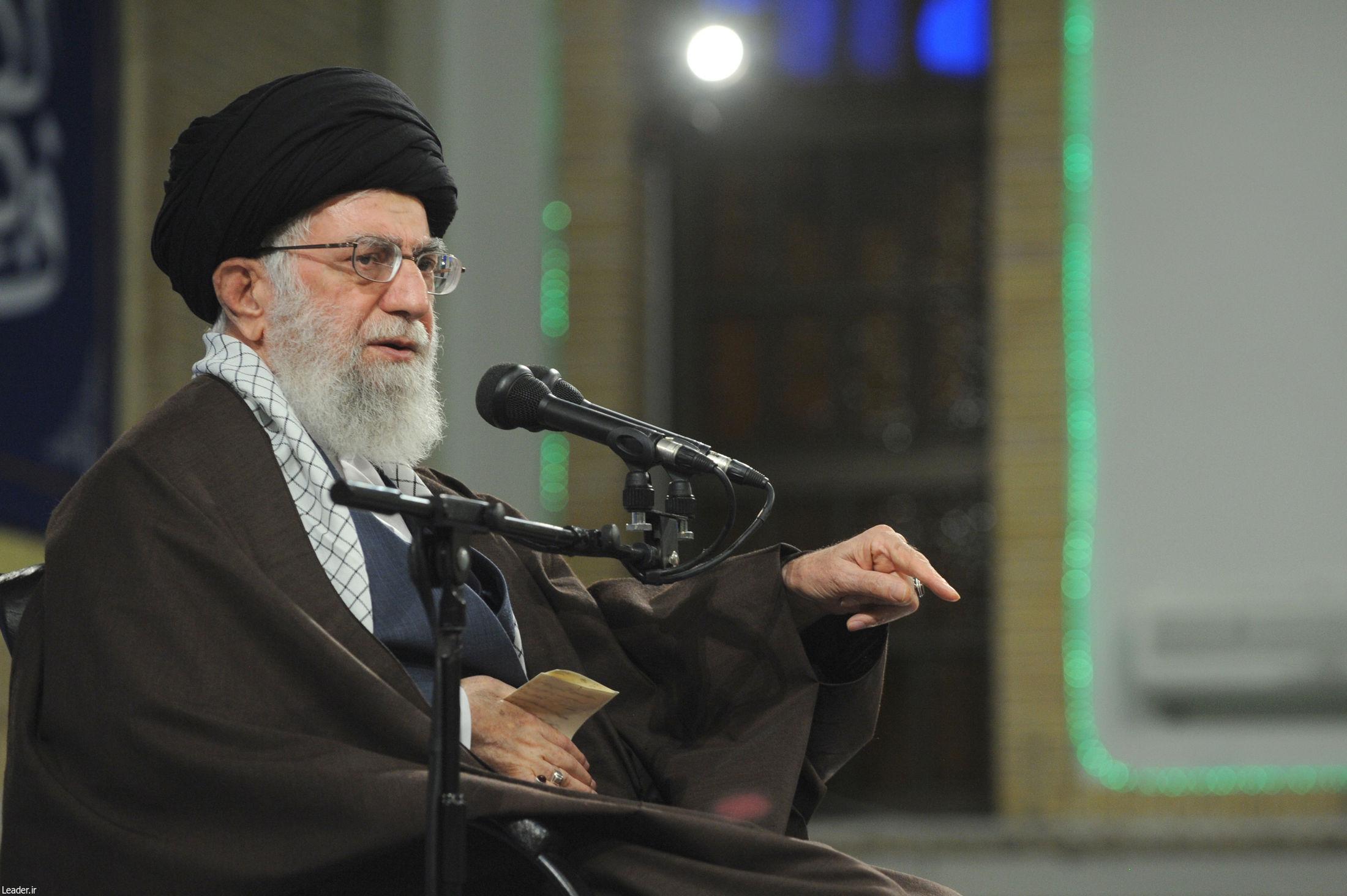 حضور ایران در منطقه ربطی به امریکا و اروپا ندارد/ملت ایران همواره آماده است هر متجاوزی را به جای خود بنشاند