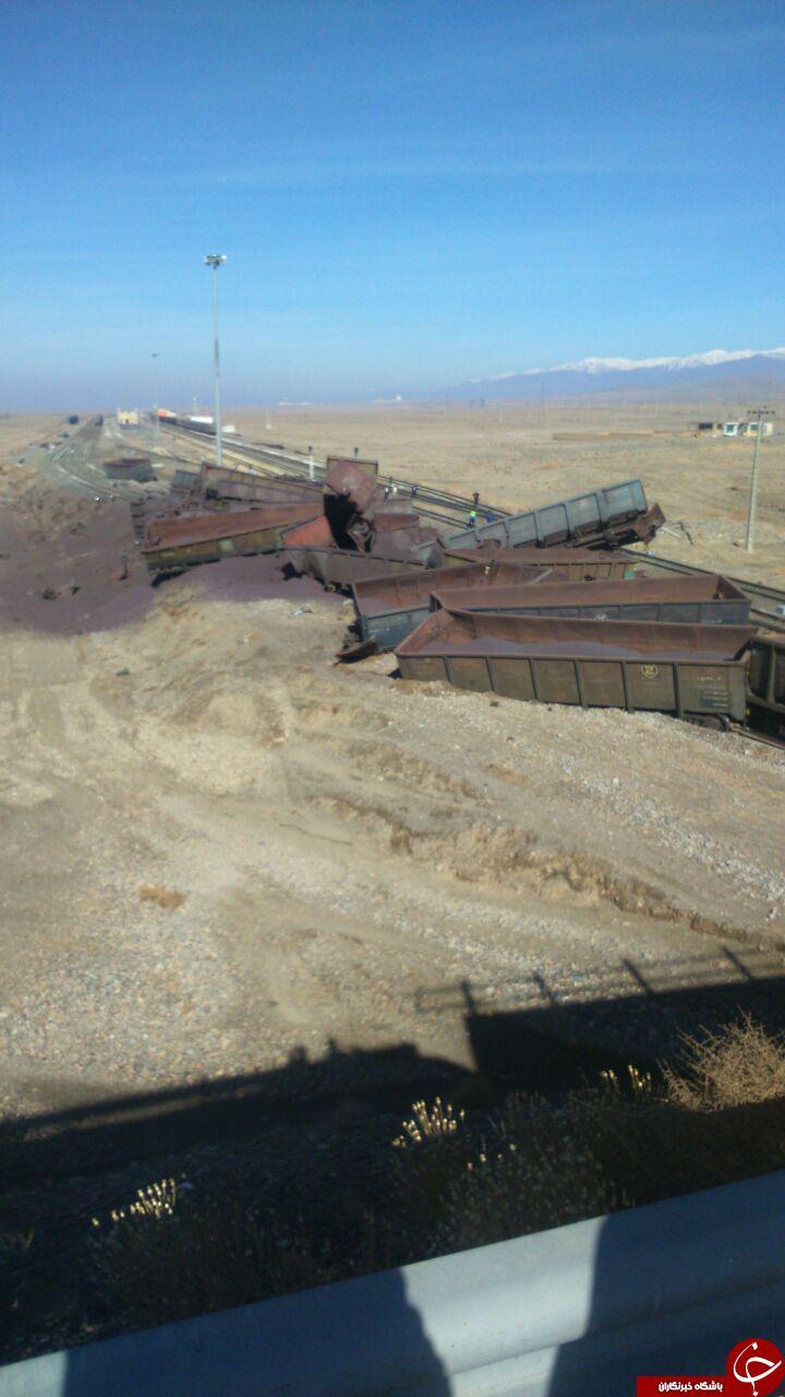 واژگونی قطار باری در ایستگاه دیزباد نیشابور + تصاویر
