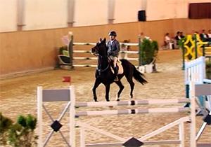 رقابت تنگاتنگ سوارکاران در آخرین دوره مسابقات پرش با اسب سال 96 + فیلم