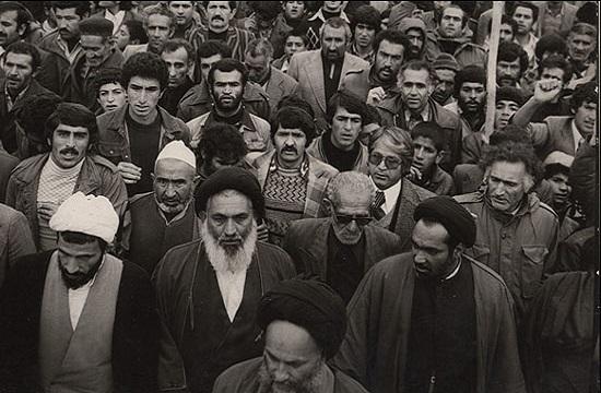 جرقه آشنایی مردم با واقعیت های دردناک رژیم پهلوی/ماجرای مدرسه ای که به خاک خون کشیده شد+ تصاویر